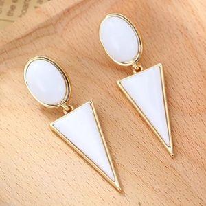 Jewelry - Triangle/circle drop earrings